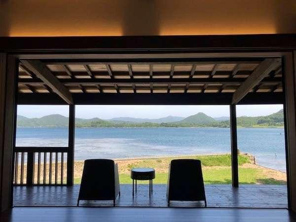 Calme, a bayfront cottage 2