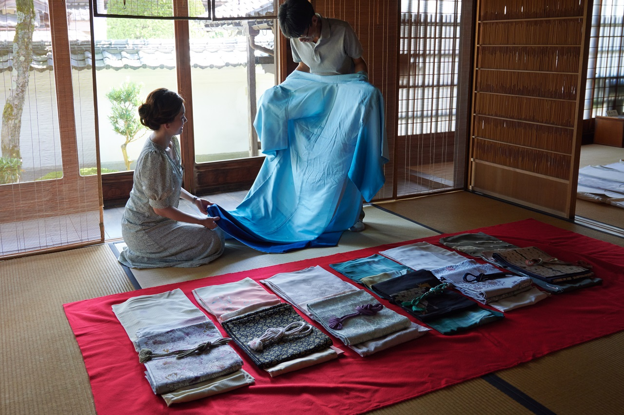 Chirimen Silk and Kimono Wearing Experience Yosano, Kyoto