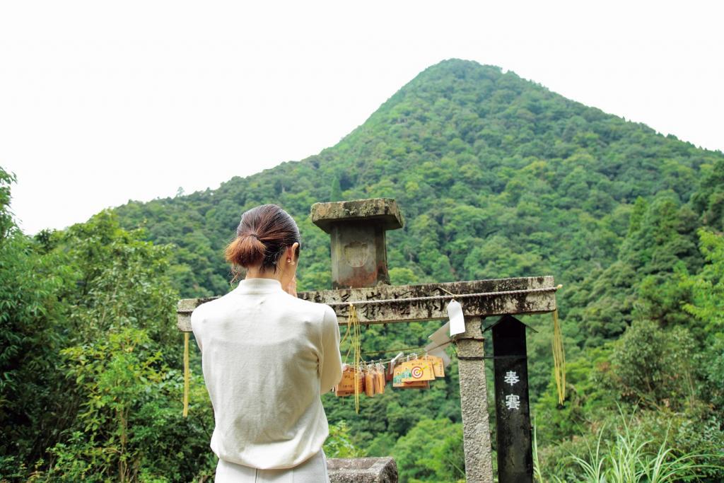 We make a tour of three companies to geniseikodaishinsha - Amanoiwato Shrine