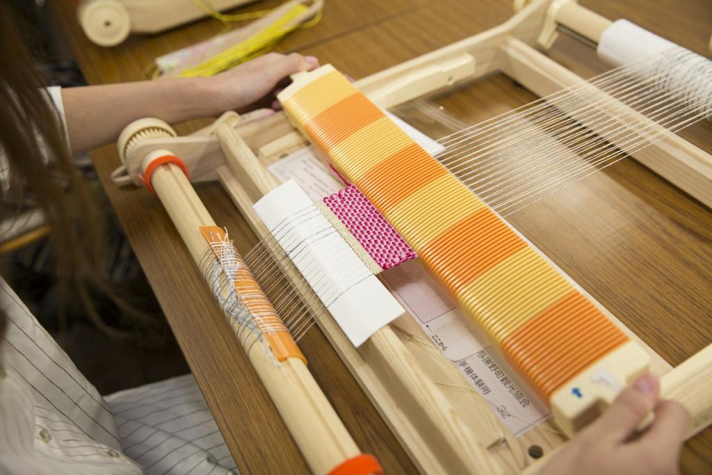 [Kyoto, folkcraft experience] 100% of silk! The making of handwoven coaster
