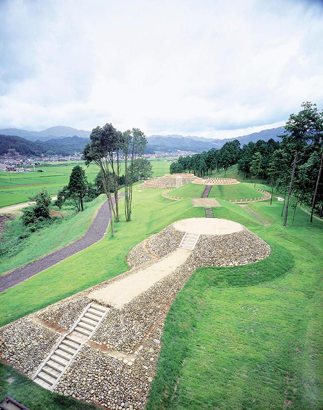 Yosano Municipality Old Burial Mound Park