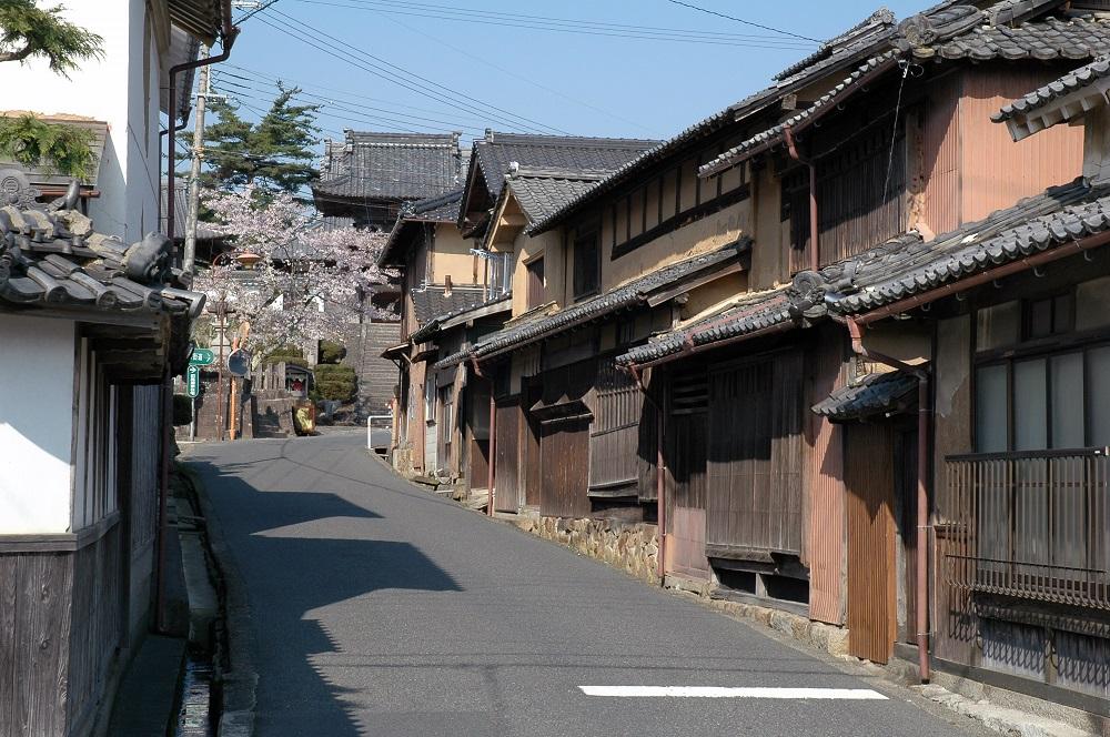 Tango Chirimen Road (Yosano Town Kaya Important Preservation Districts of Historic Buildings)