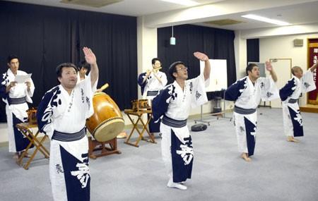 การเต้นทังโกะชิริเม็น (ผ้าย่นทังโกะ) อิวะยะ